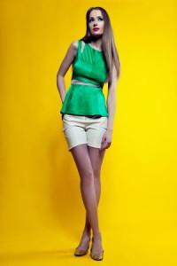 Модная зеленая одежда